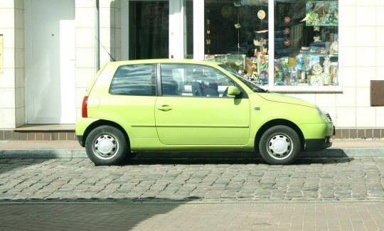 Mistrz bezsensownego parkowania VW Lupo