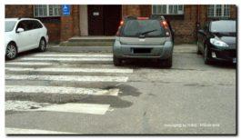 Parkowanie na przejściu dla pieszych? Panie, ja tylko na chwilę…