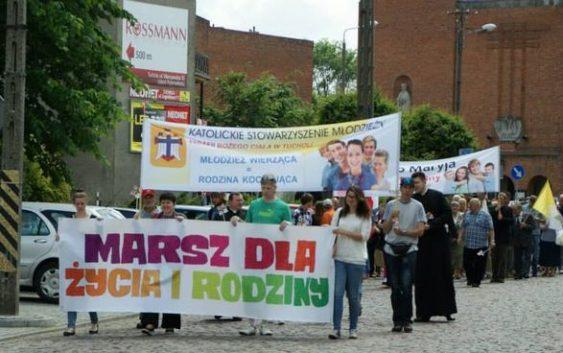 """Przepraszam, a dlaczego w Tucholi nie zorganizowano """"Marszu dla Życia i Rodziny""""?(felieton)"""