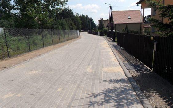 Ulica Szkolna w Legbądzie zyskała nową nawierzchnię
