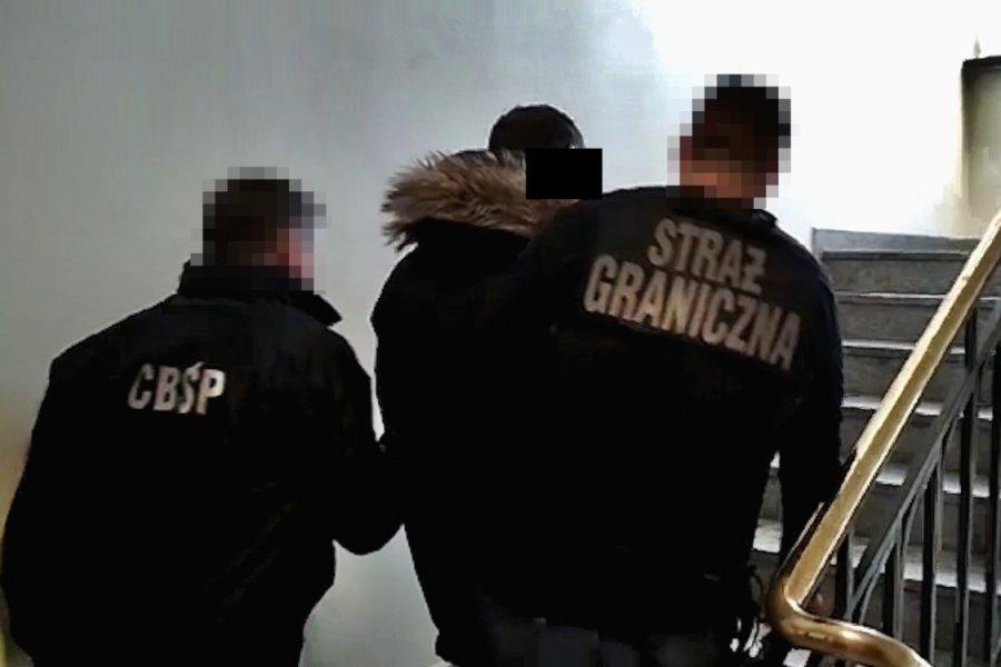 Akcja CBŚP i SG. Rozbity gang ułatwiający nielegalny pobyt cudzoziemcom w Polsce
