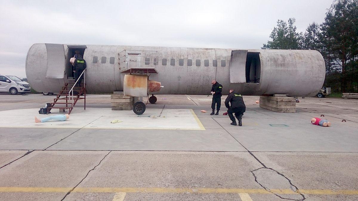 Szkolenie techników kryminalistyki z zasad postępowania na miejscu katastrofy lotniczej
