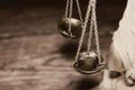 Rząd działa wbrew prawu? Wypowiedź adwokata